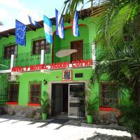 Hotel & Hostal Yaxkin Copan, отель в городе Копан-Руинас