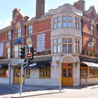 The Somerset House Hotel & Handmade Pie House, hotel in Weymouth