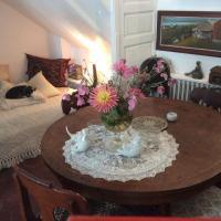 La chambre de la tour, hotel in Orbais