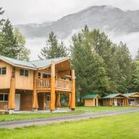 Bella Coola Grizzly Tours Cabins, hotel em Hagensborg
