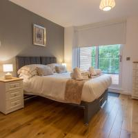 2 Modern Apts for 6 and 8 in Oxford with Parking