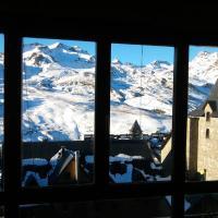 Esqui&relax Apartment, hotel in Formigal