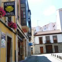 Albergue Valle del Nonaya, hotel in Salas