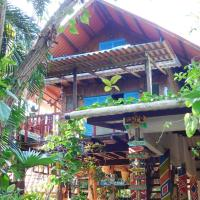 Macondo Hostel, hotel in Isla Grande