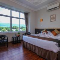 Immana Grand Inle Hotel, hotel en Nyaung Shwe