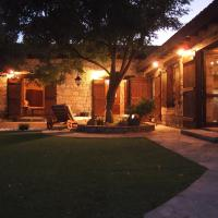 Listed Villa in Laneia, hotel in Lania
