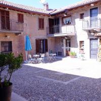 B&B La Corte Suites, hotel in Salice Terme