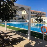 Mythical Sands Resort - Good Vibes Apartment, hotel in Paralimni