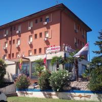 Hotel Parigi, hotell i Castel San Pietro Terme