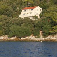 Apartments by the sea Ubli, Lastovo - 8355, hotel in Ubli