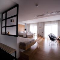 Sunday Boutique Hotel, hotel in Nea Stira