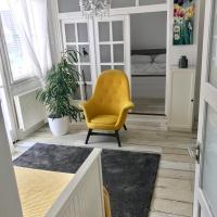 Home Sweet Apartment, hotel v Buku