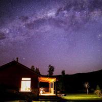 Kepler Oaks Chalet, hotel in Te Anau