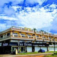 Ocean Crest Hotel, hotel in Colva