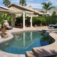 Gorgeous 2 Bedroom Home with Salt Water Pool/Spa