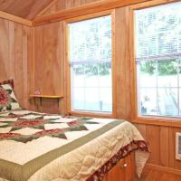 Robin Hill Camping Resort Premium Cottage 12, hotel in Lenhartsville