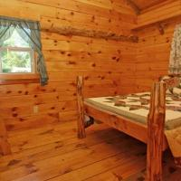Robin Hill Camping Resort Deluxe Cottage 13, hotel in Lenhartsville