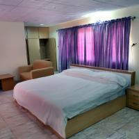 Nspri Guest Houses、ラゴスのホテル