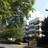 2 Bed Apartment in Viceroy Lodge Central Surbiton incl Free Parking