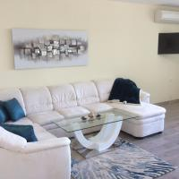 Luxurious, completely renovated apartment