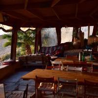Zman Midbar Eco Spirit Lodge for Peace, hotel in Arad