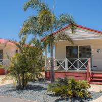 Outback Oasis Caravan Park, отель в городе Карнарвон