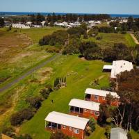 Pelican Waters Holiday Park, hotel in Port Fairy