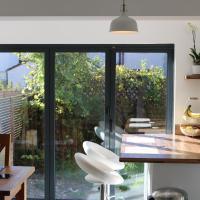 Luxury Victorian Garden Apartment sleeps 8