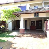 Homestay BJ Bukit Jelutong Shah Alam, hotel near Sultan Abdul Aziz Shah Airport - SZB, Shah Alam