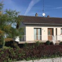 Spacious Holiday Home in Niderviller with Garden, hotel in Niderviller