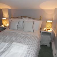 The Den, hotel in Egloskerry