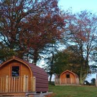 Drumshademuir Caravan & Camping Park, hotel in Glamis