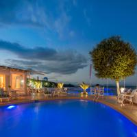 Oasis Beach Hotel, hotel in Skala