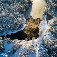 Arctic Circle Wilderness Resort, hotel in Vikajärvi