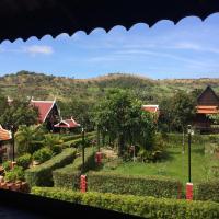 Greenhouse Retreat, hotel in Senmonorom
