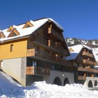 Chalets de Praroustan by Actisource, hotel in Pra-Loup