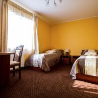 Park Hostel – hotel w mieście Suchedniów