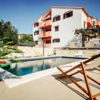 Apartments Martina, hotel in Primošten