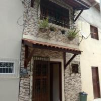 LINDO CHALÉ NO CENTRO DE GUARAMIRANGA, hotel in Guaramiranga
