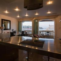 Grand Harbour Seafront Apartment
