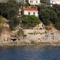 Apartments by the sea Stikovica, Dubrovnik - 2131, hotel u gradu Zaton
