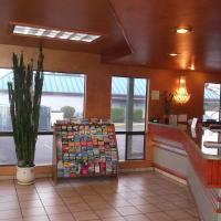Sunrise Inn, hotel near Snohomish County Airport - PAE, Everett