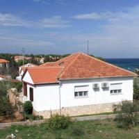 Apartments by the sea Ugljan - 8304