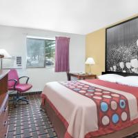 Super 8 by Wyndham Kent/Akron Area, hotel in Kent