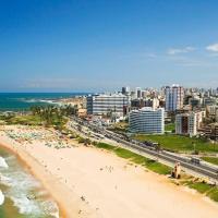Apartamento na praia de Armação, hotel in Armacao, Salvador