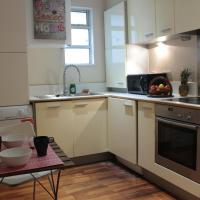3 Bedroom Apartment +4Free Tickets to Kew Gardens