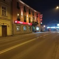 Hotel Pod Trzema Różami – hotel w mieście Sanok
