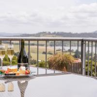 Armalong Winery Chalets, hotel em Rosevears