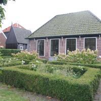 Pleasant Holiday Home in Grootschermer with Garden, hotel in Grootschermer