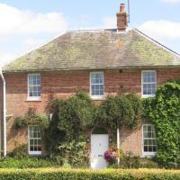 Home Farm Boreham, hotel in Warminster